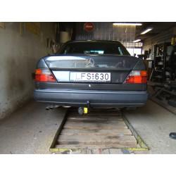 Mercedes 124 vonóhorog